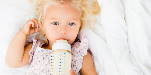 Kdy po kojení přejít na umělé mléko?