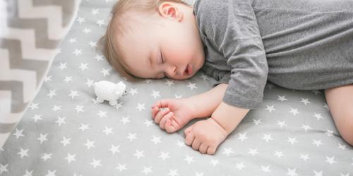 Spánek kojenců a batolat